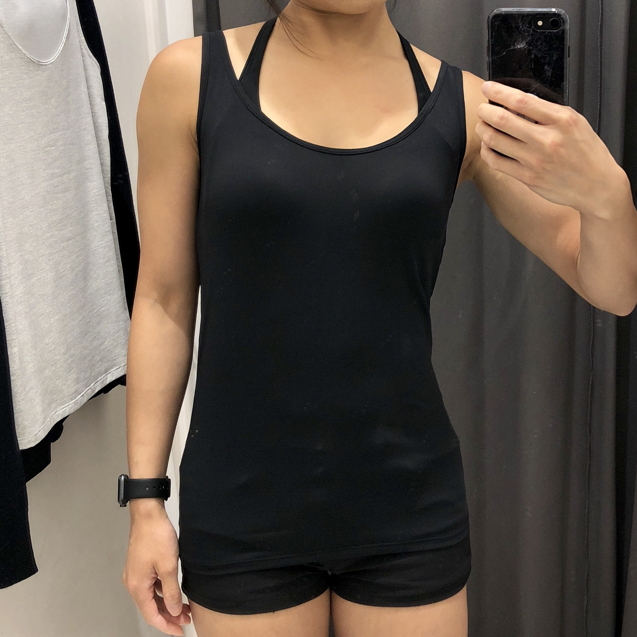 Uniqlo sleeveless top black color in size S